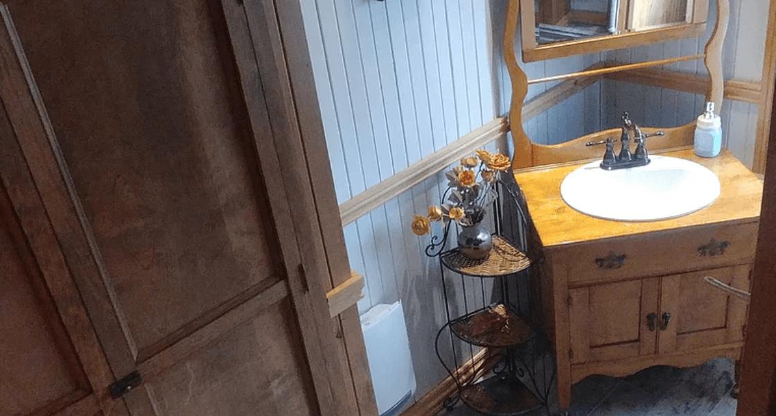 La Typique Aux Vents - Salle de bain à l'étage